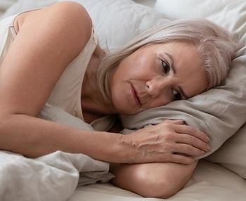 El insomnio en personas mayores: causas y recomendaciones