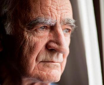 Cómo tratar a una persona mayor con depresión