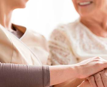 Cómo hacerse tutor legal de una persona mayor y qué implica