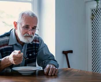 Falta de apetito en ancianos o hiporexia