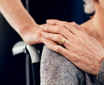 Cómo curar escaras en personas mayores