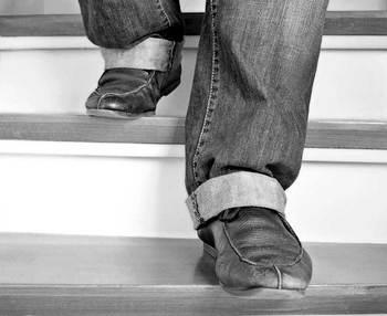 ¿Cómo evitar las caídas de ancianos en el hogar?