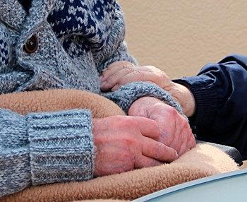 Síndrome del cuidador: qué es y cómo combatirlo